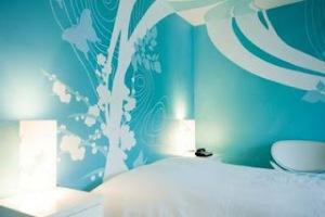 hee's room